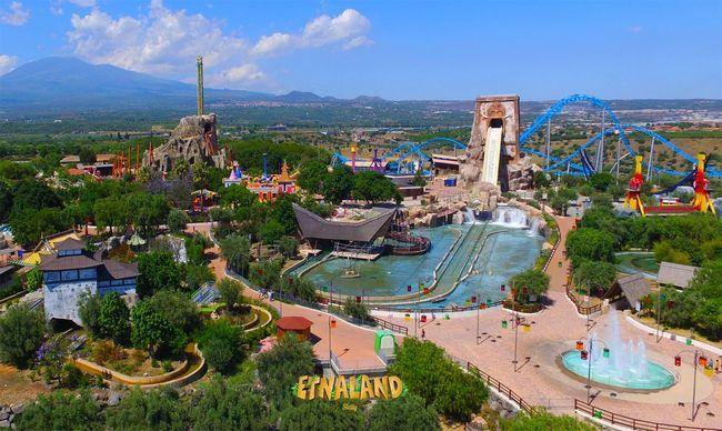 Panoramica di Etnaland, il parco divertimenti più grande della Sicilia