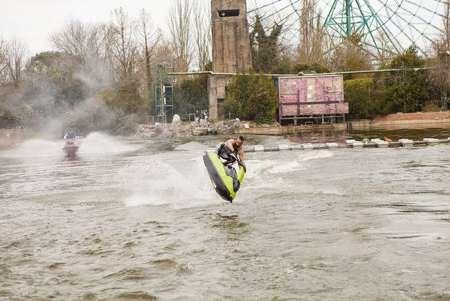 Stunt show con moto d'acqua a Mirabilandia