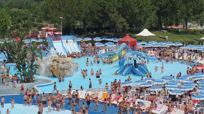 panoramica del parco acquatico Odissea 2000 a Rossano