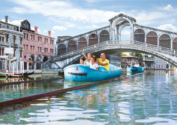 Percorso su barche tra i monumenti di Venezia al parco Italia in Miniatura di Rimini