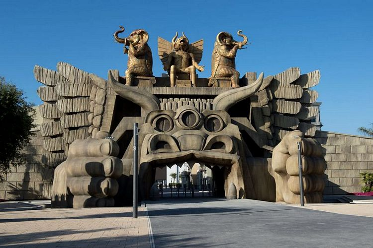 Portale di Cabiria, ingresso del parco divertimenti Cinecittà World di Castel Romano