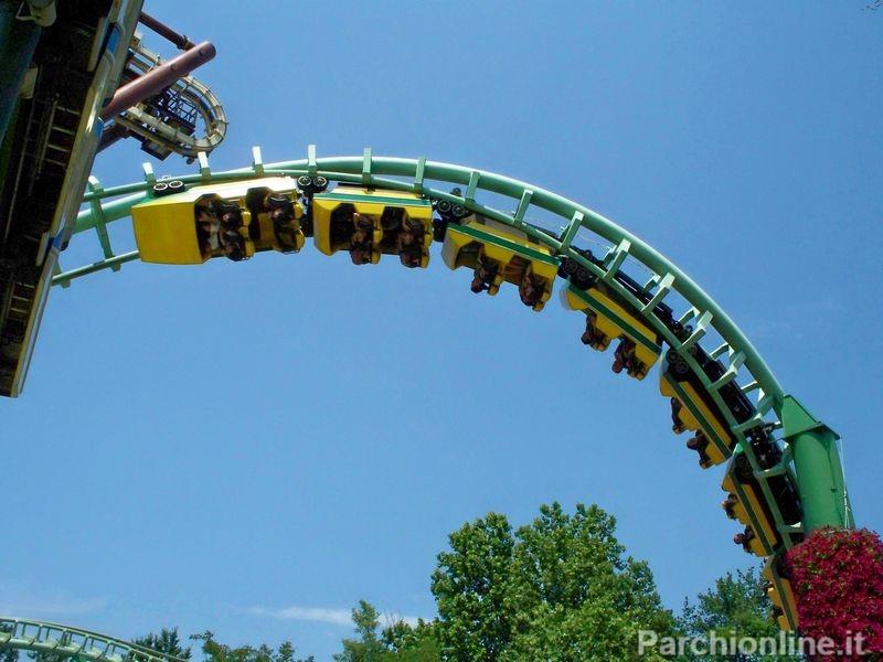 Inversione del roller coaster Magic Mountain di Gardaland