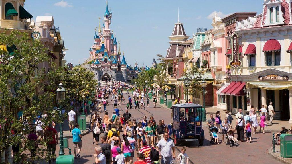 Main Street USA nel parco Disneyland di Parigi