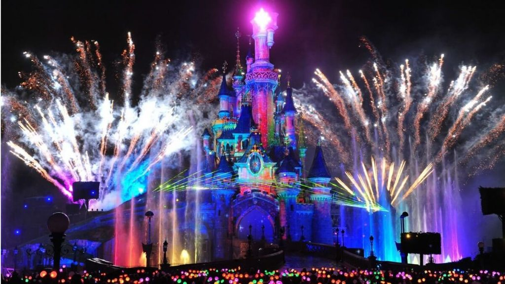 Disney Illumination: Spettacolo di proiezioni, musica e laser sul Castello di Disneyland Paris